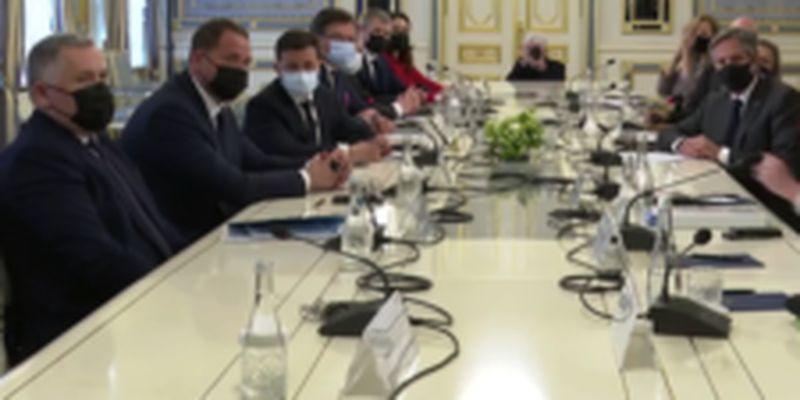 Они здесь? Они повсюду: Зеленский пошутил над российским переводом на пресс-конференции