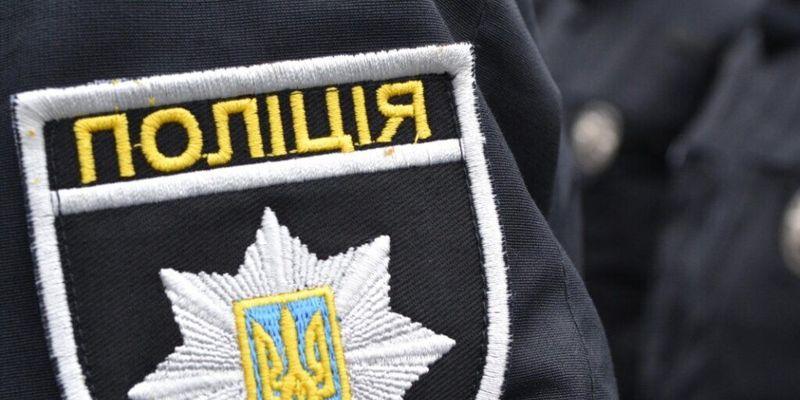 В Харькове на подземной парковке мужчина крушил авто - полиция