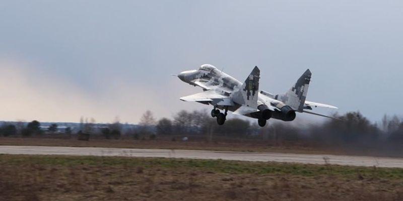 Севастопольская бригада авиации отрабатывает воздушные бои на Волыни