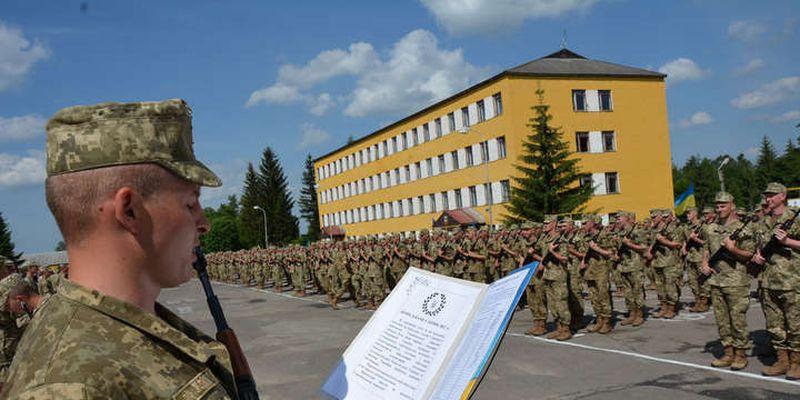 Під час осінньої кампанії на строкову службу призвуть понад 15 тис. українців