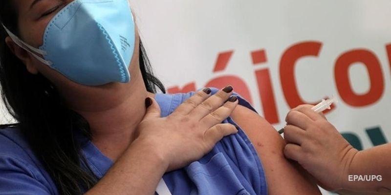 Раде предлагают ограничить поставки СOVID-вакцин