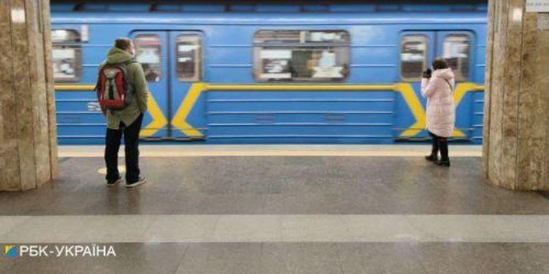 В метро Киева возникла небывалая давка после окончания локдауна ФОТО