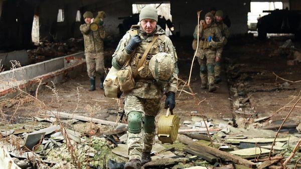 Родились в боях за Донбасс: какой путь прошли ВСУ за время независимости - Фото 4