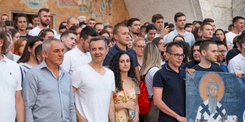 В Черногории к акции поддержки Сербской Православной Церкви присоединились учителя и моряки