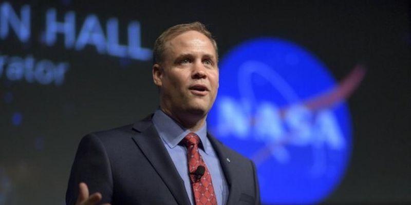 Глава NASA заявил, что шансы обнаружить на Марсе следы жизни увеличиваются