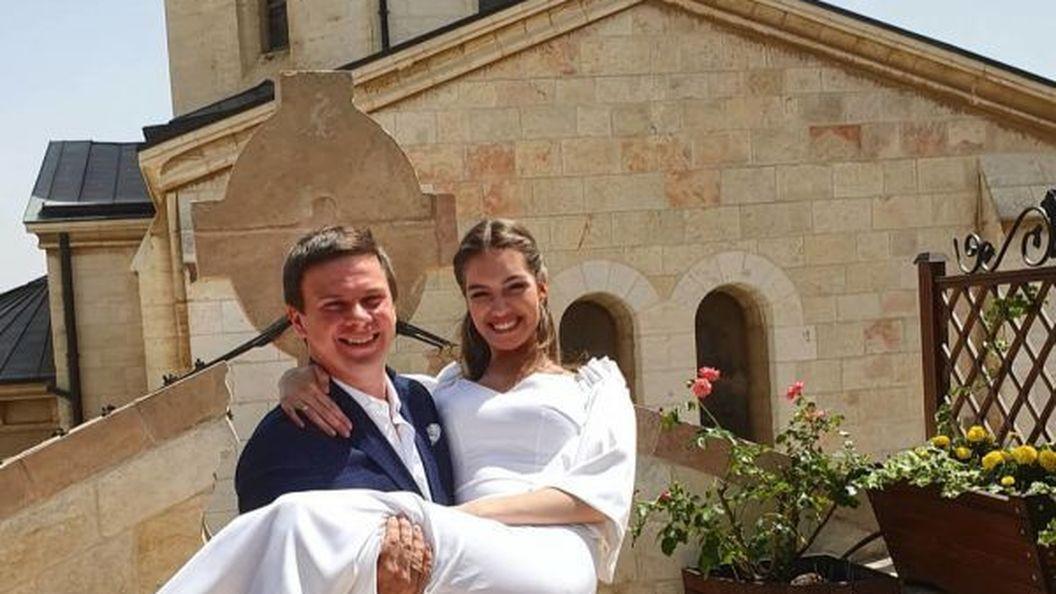 Оце так! Дмитро Комаров і Олександра Кучеренко одружилися