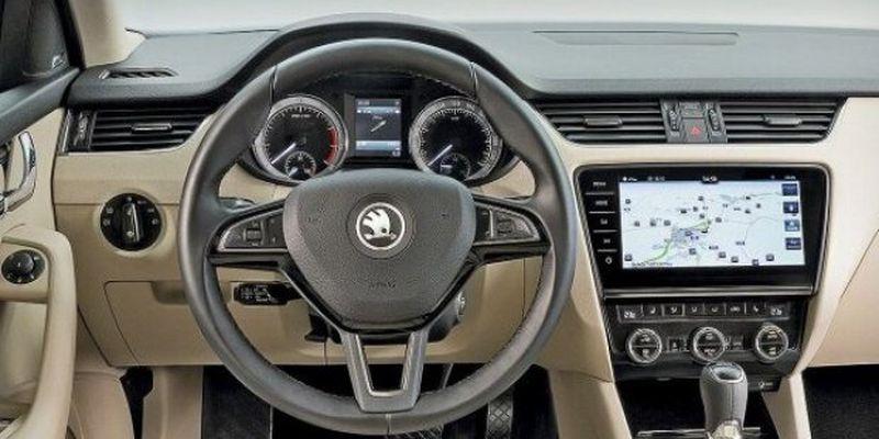 В Сети показали уникальный автомобиль Skoda с хрустальными деталями