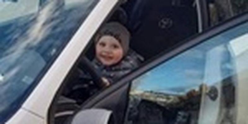 В Тернополе полицейские осуществили мечту двухлетнего мальчика