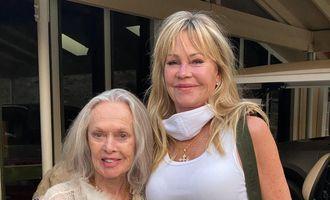 63-річна Мелані Гріффіт показалася зі знаменитою 91-річною мамою
