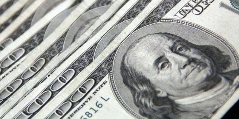 Назвали курс долара у червні