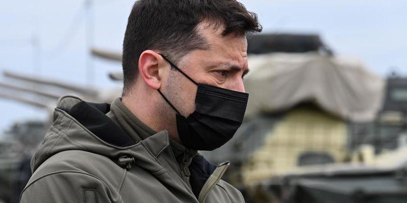 Зеленский: РФ увеличила количество военной техники вдоль границы с Украиной