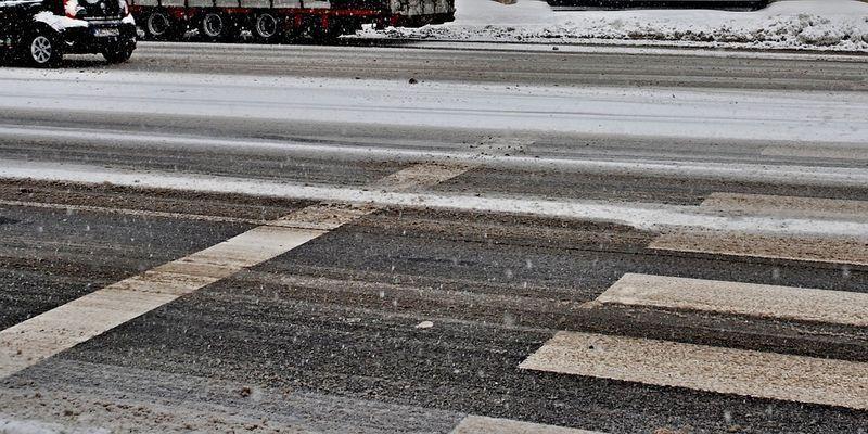 Запорожье заметает первым снегом