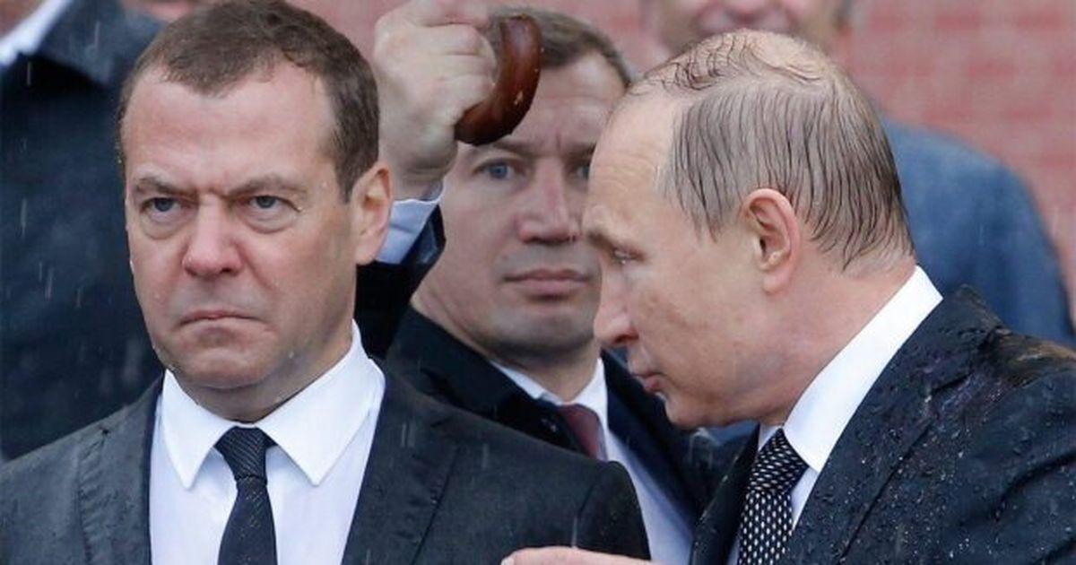 Российское правительство в полном составе уходит в отставку