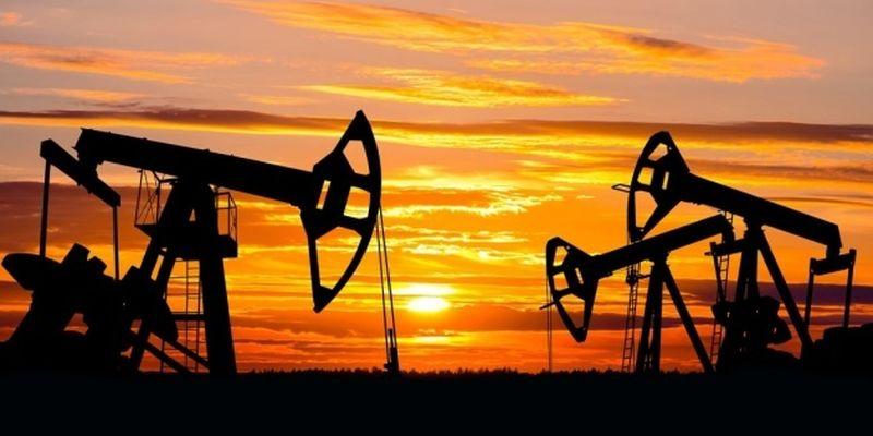 Нефть дешевеет из-за вспышки COVID-19 в Индии и Бразилии