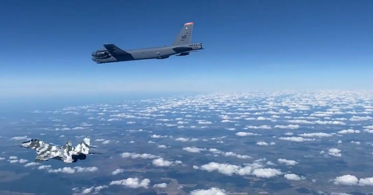 Фото наших истребителей в сирийском небе