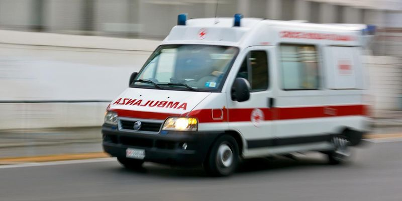 Ожоги 90% тела: в Одессе подростка ударило током на крыше товарняка