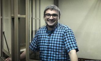 «Суд» в Крыму отказался установливать админконтроль над бывшим политзаключенным