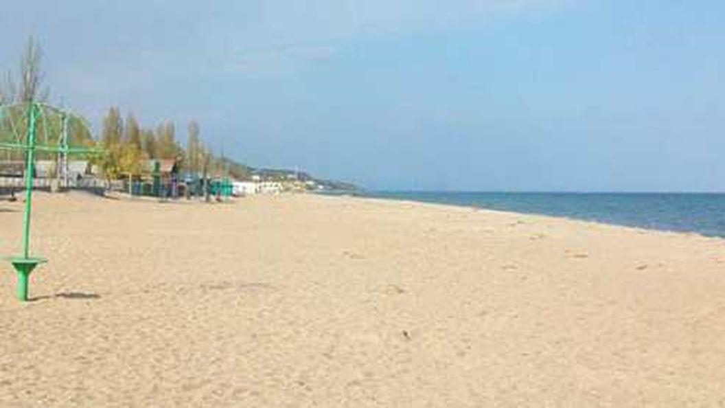 Фашик Донецкий: Песок, море, патрули. Где недоросы могут отдохнуть за фубли