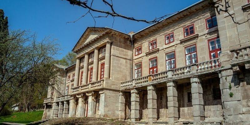 На Хмельнитчине в старинном дворце создали историко-культурный музей