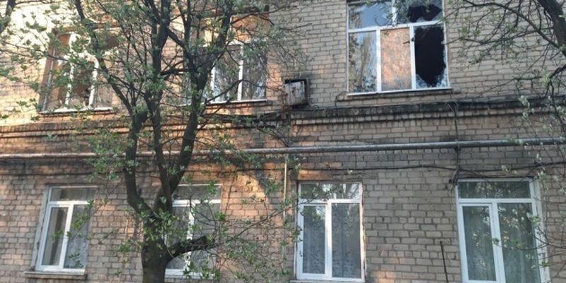 Оккупанты обстреляли прифронтовую Красногоровку – повреждена больница