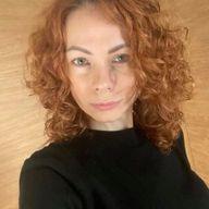 Юлия Хан