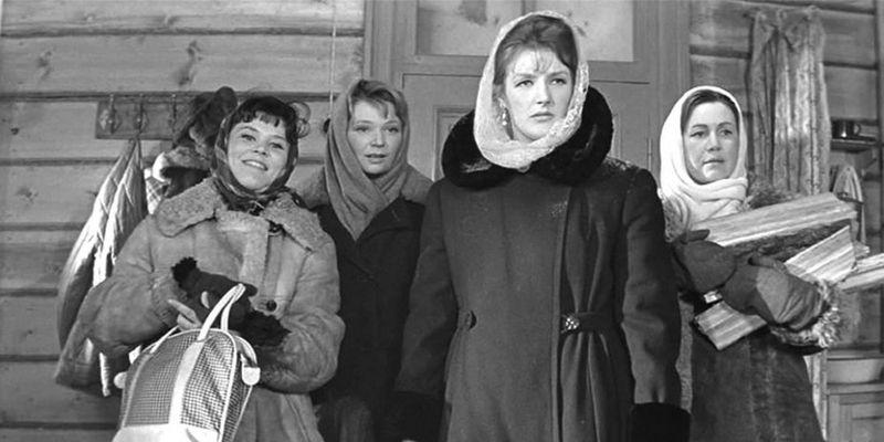 Какие женские товары были дефицитными в СССР?