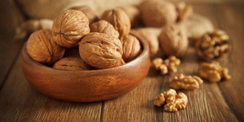 Рекомендации диетолога: полезные свойства грецких орехов
