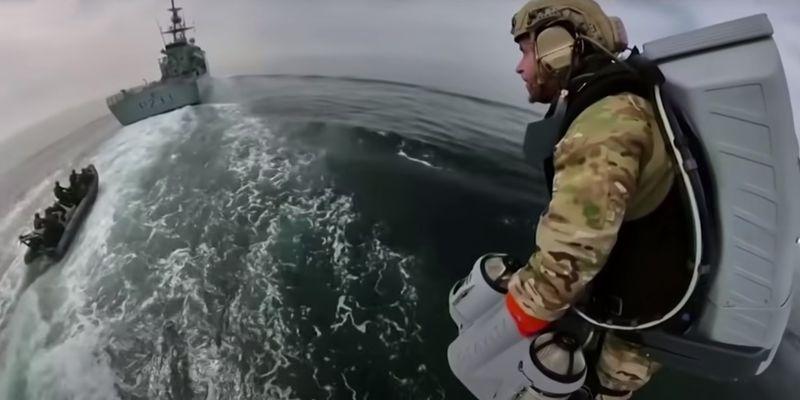 Как супергерои: британские морские пехотинцы протестовали реактивные ранцы