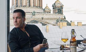 Тилль Линдеманн исполнил хит Марка Бернеса на русском языке