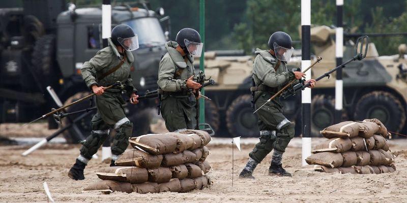 Франция призвала РФ объяснить мотивы стягивания войск к границе с Украиной