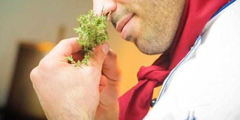 Коронавірус позбавляє нюху і смаку на 5 місяців - дослідження