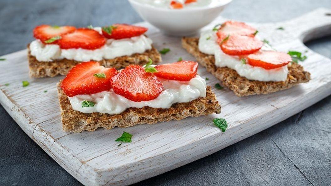 Рецепты с клубникой: оригинальные, вкусные и быстрые в приготовлении