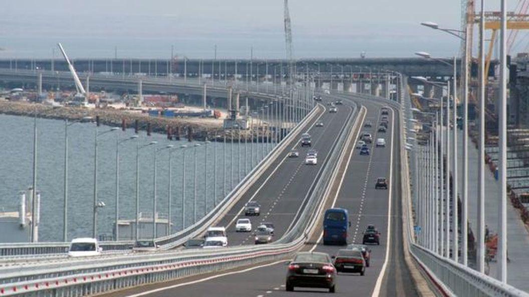 В Крыму оккупанты строят новый мост