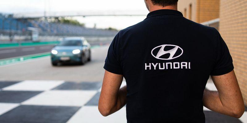 Кроссовер Hyundai Kona Electric преодолел 1000 км без подзарядки