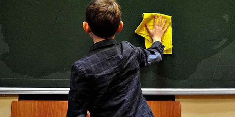 В школах Запорожья восстанавливают обучение офлайн