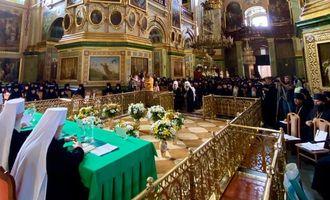 В Почавской лавре собрались более 300 представителей монастырей УПЦ со всей Украины