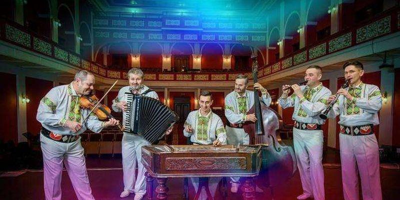 На площі Філармонії у Чернівцях виступить ансамбль народної музики Плай