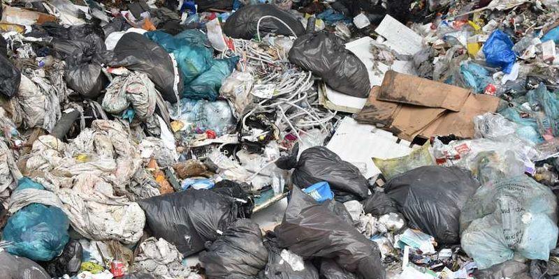 Запах «родной гавани»: жители Севастополя жалуются на огромную свалку в центре города