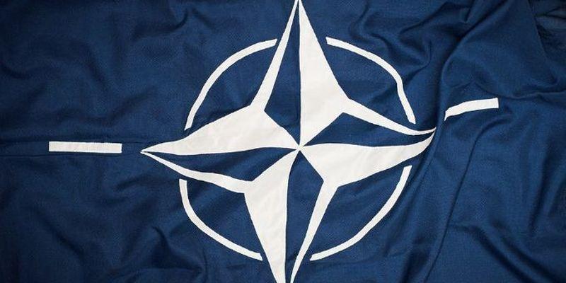 НАТО призвал к бдительности из-за военной активности РФ у Украины