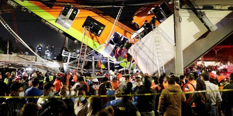 В Мехико обрушился мост-метро и рухнул поезд: названо число жертв