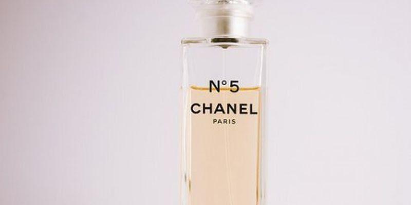 Парфуми Chanel № 5 відзначають столітній ювілей