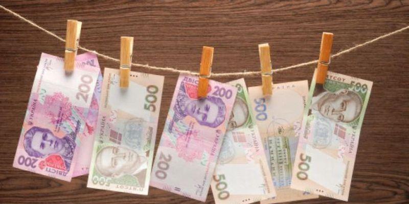 Курс валют на сьогодні 4 травня: долар не змінився, євро не змінився