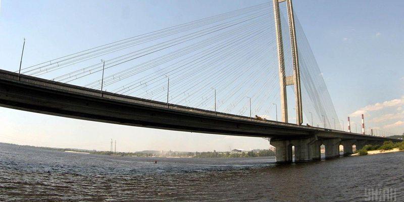 С сегодняшнего дня в Киеве частично перекроют Южный мост