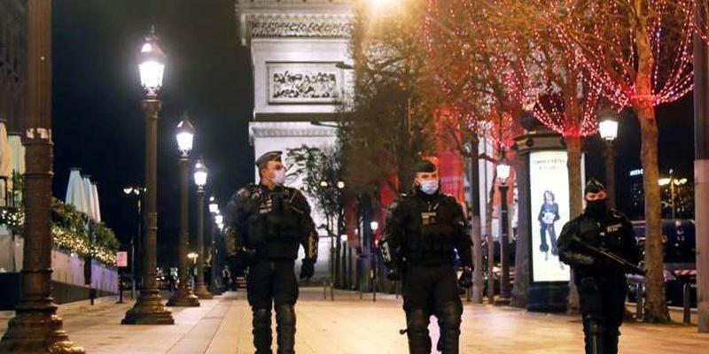 Франція запроваджує комендантську годину в усій країні через Covid-19