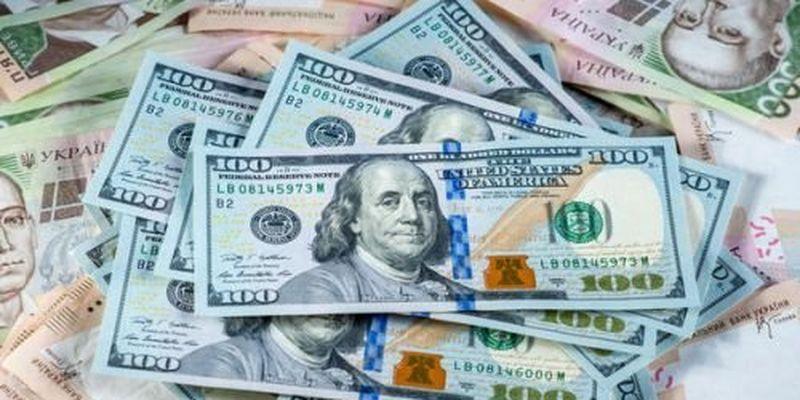 Евро и доллар устроят гривне жаркую неделю: подробности