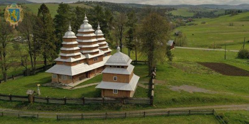 Про унікальні дерев'яні церкви Львівщини відзняли промовідео