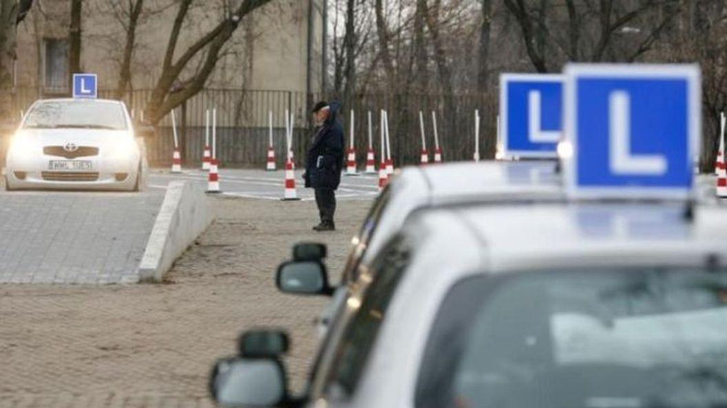 Инструкторов автошкол хотят штрафовать за аварии учеников