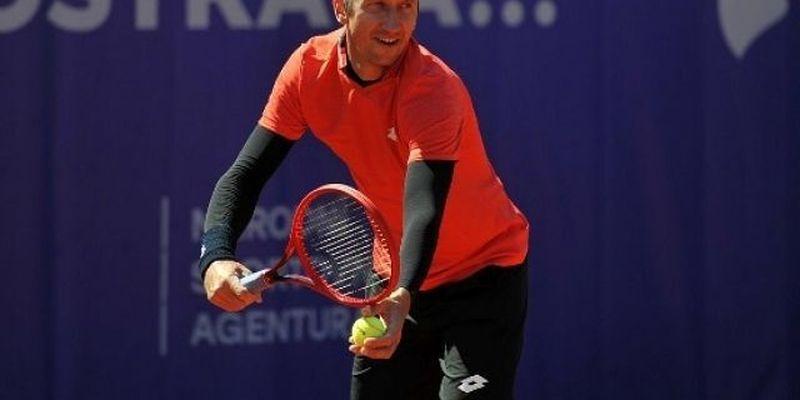 Стаховский вышел во второй круг турнира в Праге