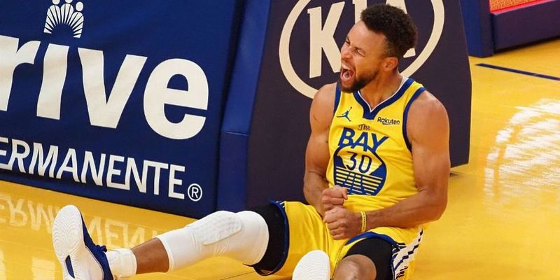 Карри установил три новых рекорда НБА