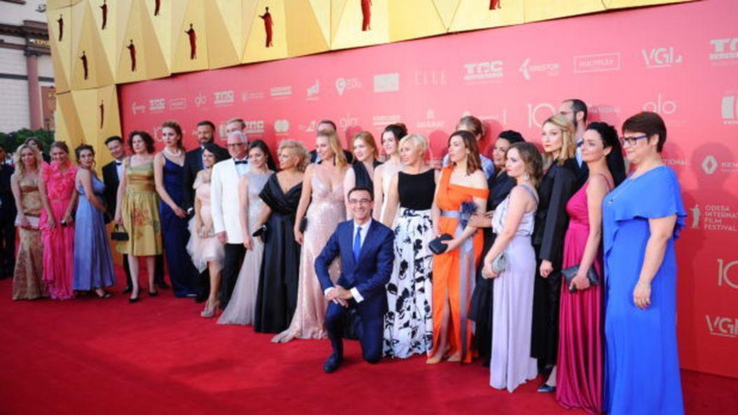 Самые безупречные образы церемонии закрытия ОМКФ 2019: красивые и элегантные